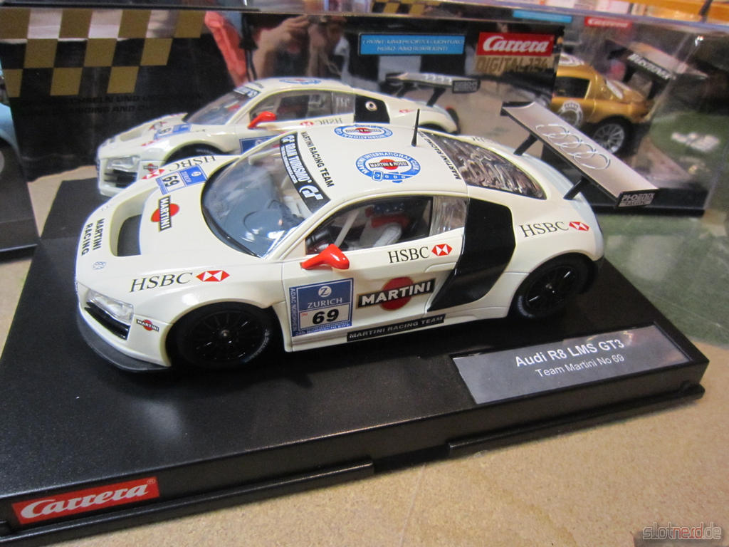 Carrera Digital 124 - Audi R8 LMS Martini