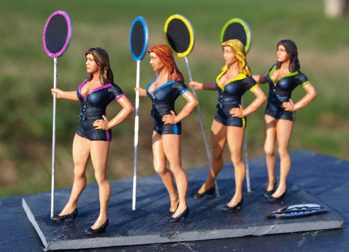 Le Mans Miniatures - sexy Grid Girls