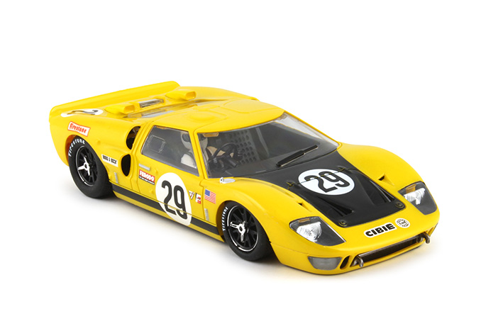 NSR-FORD-GT40-1177SW-seitlich