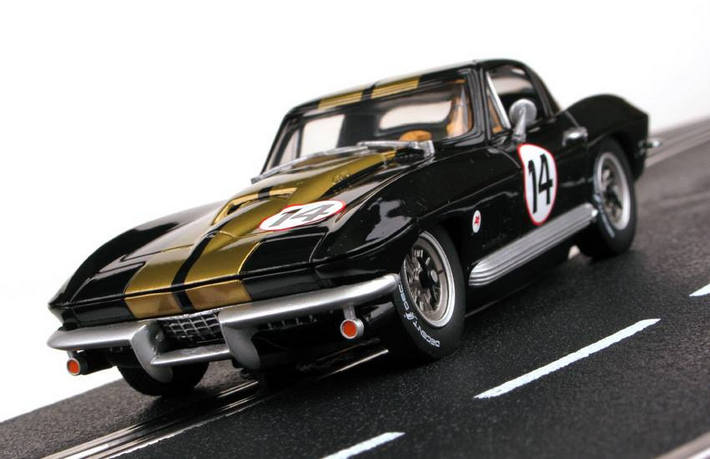 Carrera USA - Chevrolet Corvette Sting Ray - von vorne