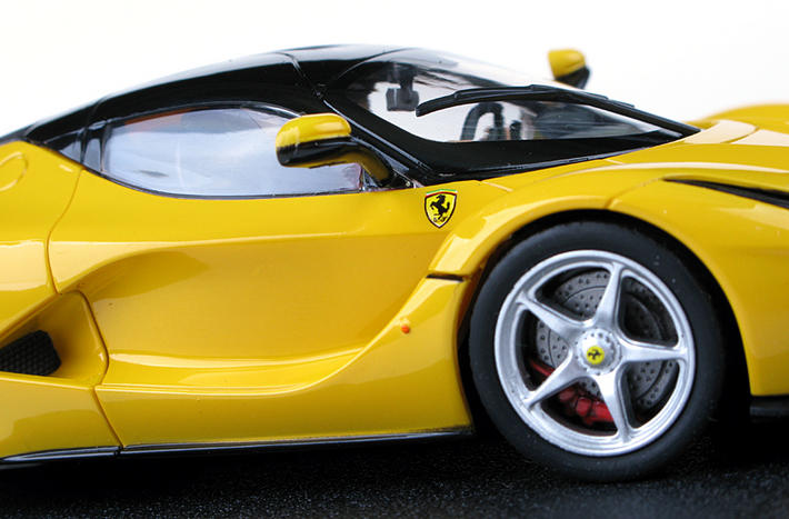 Carrera Evolution - LaFerrari Yellow (27458) - Nahansicht