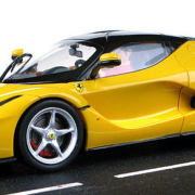Carrera Evolution - LaFerrari Yellow (27458) - seitlich