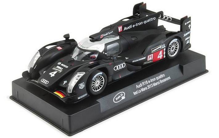 Slot.it - Audi R18 e-tron quattro #4 (CA29a) am Display