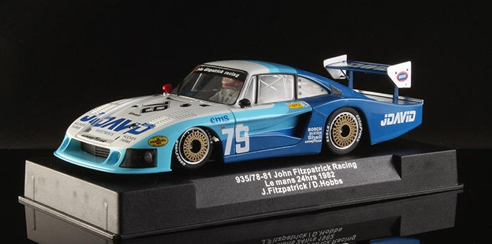 Sideways by Racer - Porsche 935-78 JDavid (SW0035) am Display