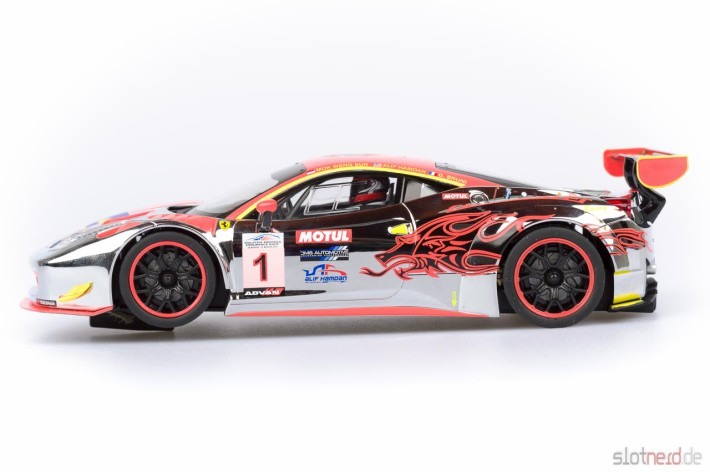 Carrera DIGITAL 124 - Ferrari 458 GT3 Clearwater Racing No.1 (23822) seitlich